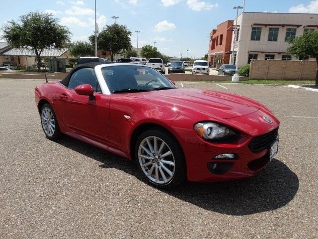 new 2017 fiat 124 spider fiat spider lusso convertible in southwest texas f5353 brown auto stores. Black Bedroom Furniture Sets. Home Design Ideas