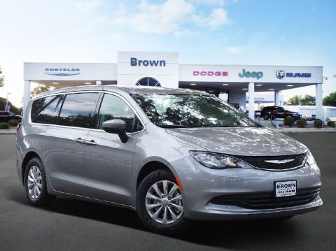 New 2018 Chrysler Pacifica LX FWD Mini-van, Passenger